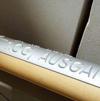 Aluminium eloxiert auf Ahornhandlauf