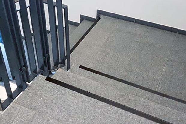 Treppenmarkierungen mit ILIS Treppenindikator